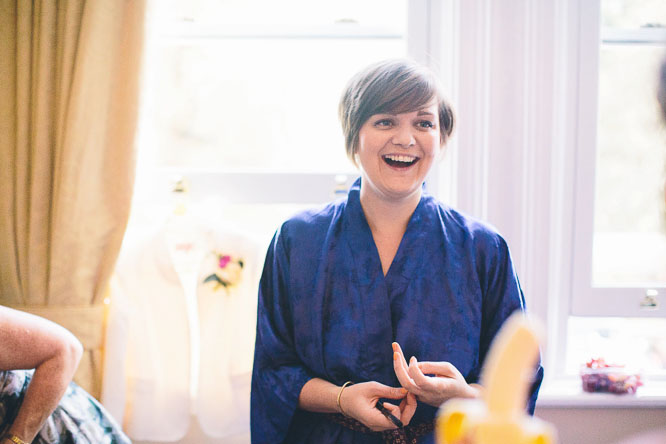 reportage photo of jennie laughing before the wedding