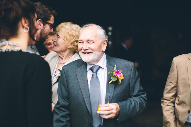 reportage wedding photography guests