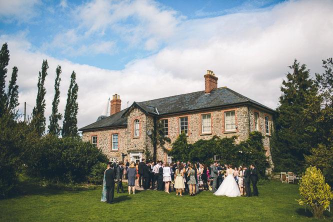 Lyde Court summer wedding photos