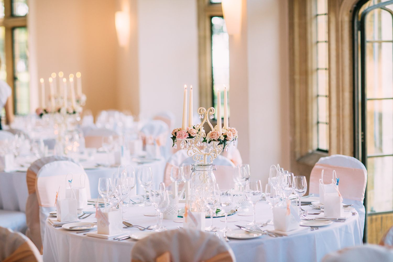 elegant wedding decorations in coombe lodge