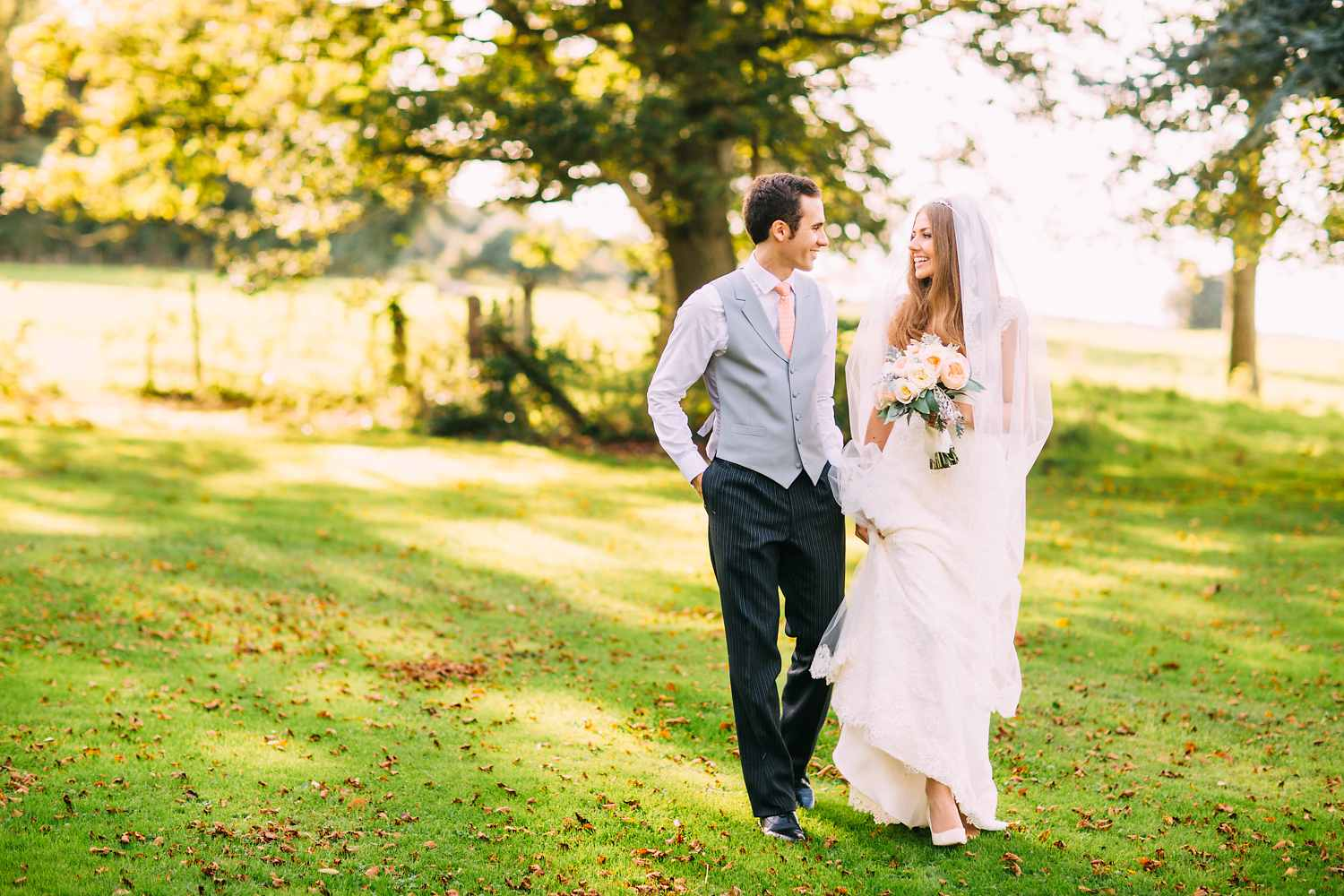elegant couple photos at coombe lodge wedding