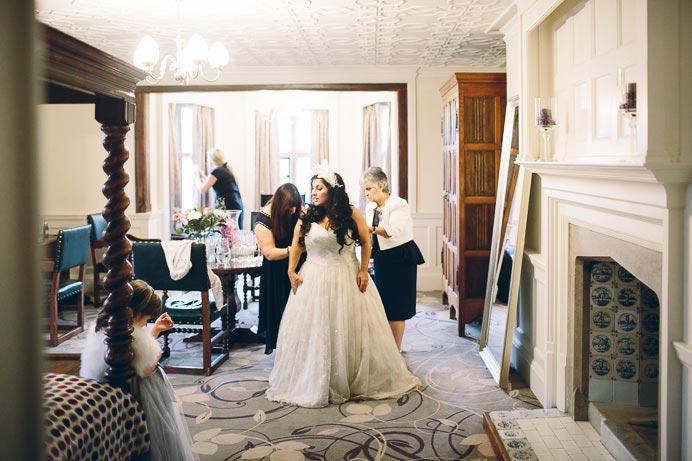 fanhams-hall-wedding-photos-017