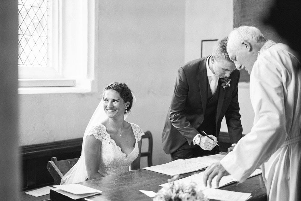 Bigbury-Wedding-photographer-033