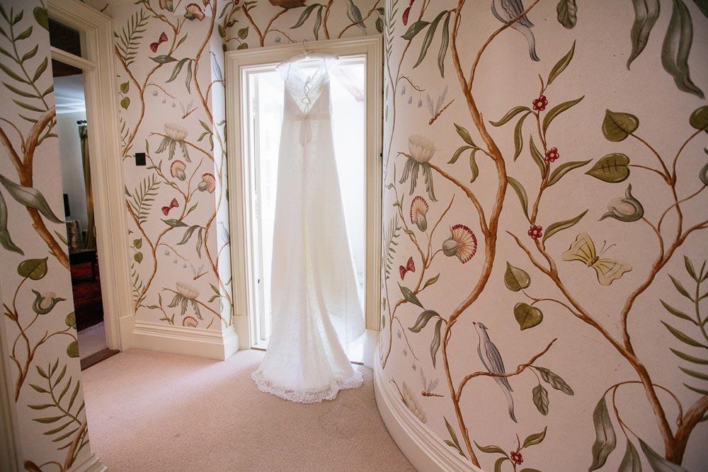 Dewsall-Court-Wedding-Photos-006