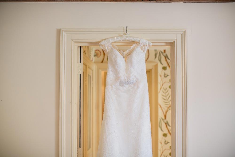 Dewsall-Court-Wedding-Photos-007