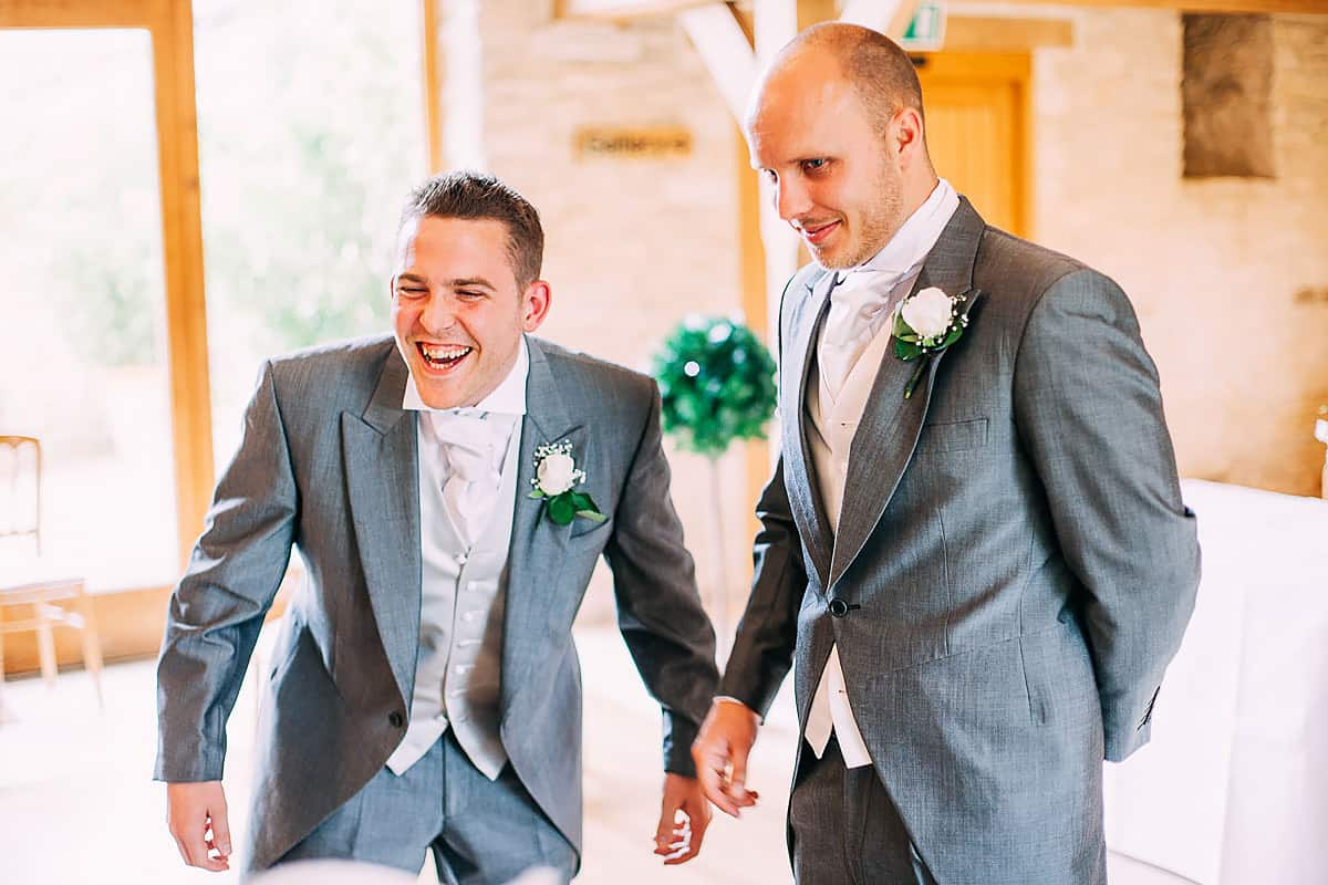 reportage wedding photos Kingscote Barn