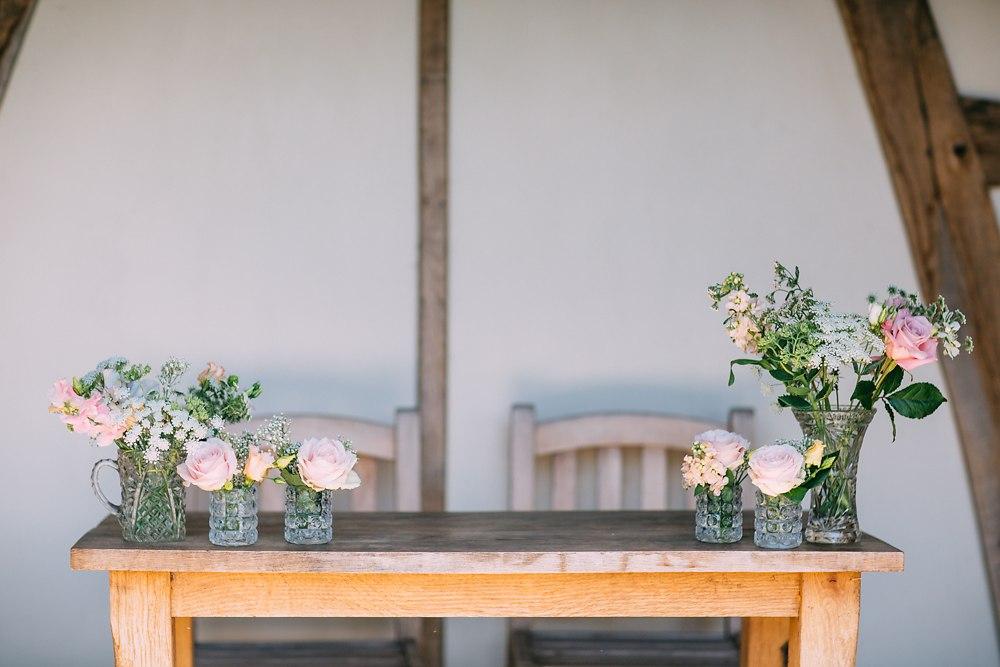 kingscote barn wedding photographer-003