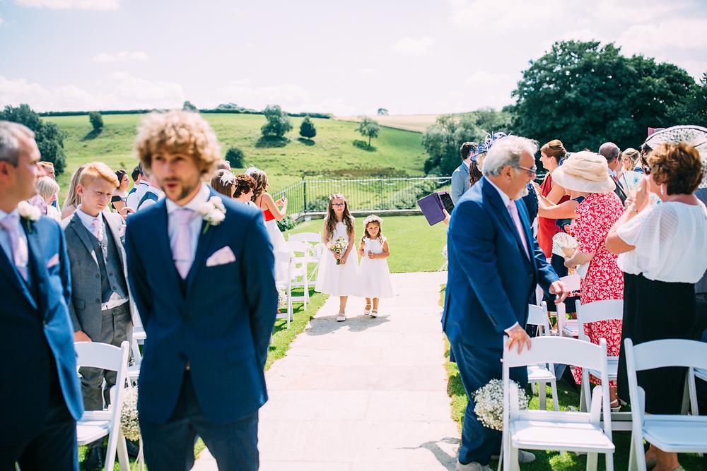 kingscote barn wedding photographer-024