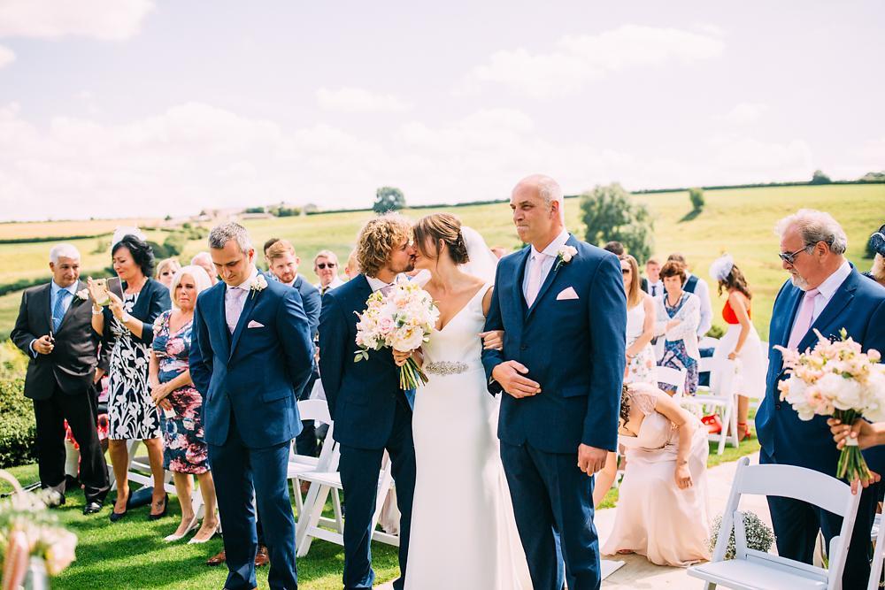 kingscote barn wedding photographer-026