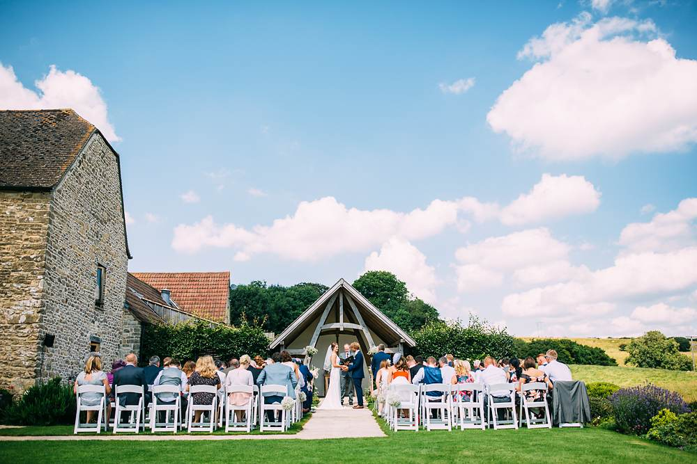 kingscote barn wedding photographer-031