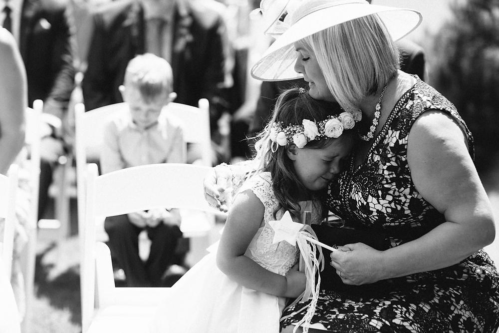 kingscote barn wedding photographer-032