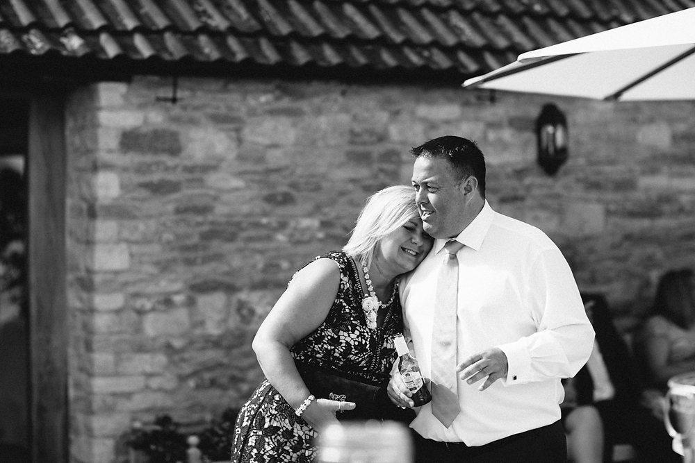 kingscote barn wedding photographer-050