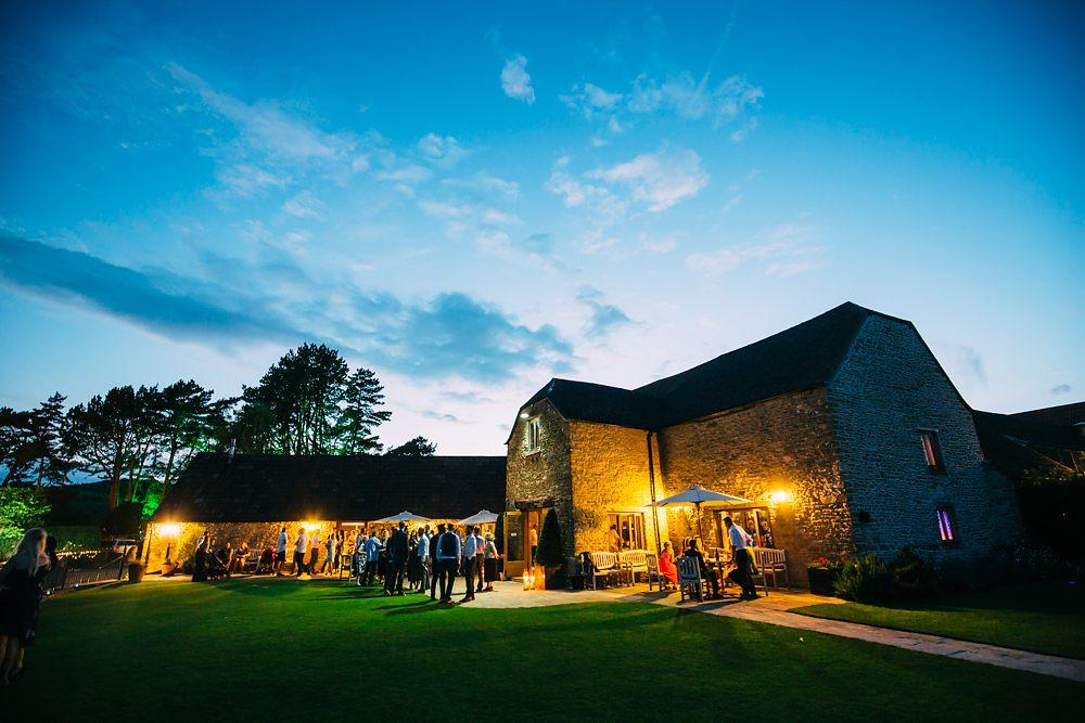 kingscote barn wedding photographer-079
