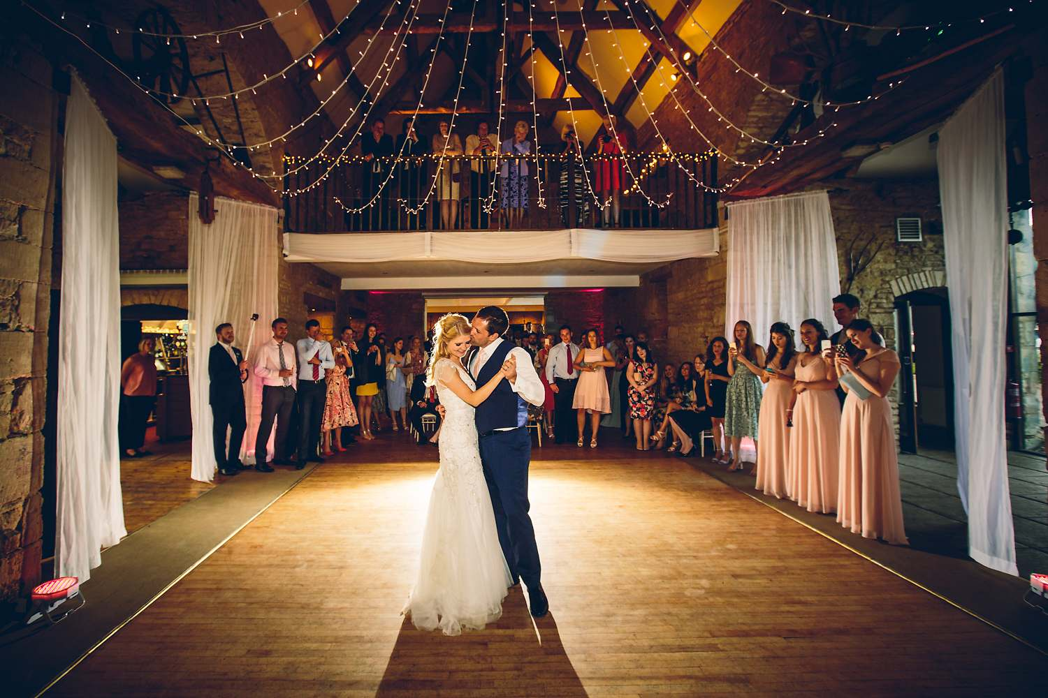 first dance wedding barn