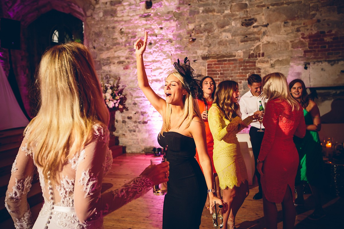 fun wedding photos of guests dancing