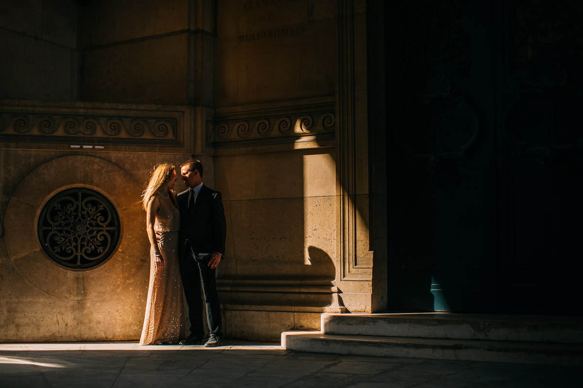 pre wedding shoot at the louvre