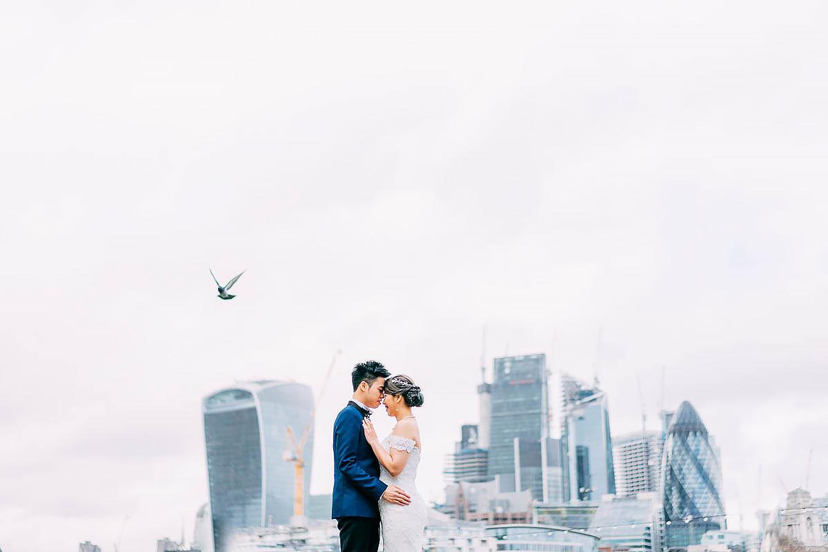 tower bridge pre wedding shoot