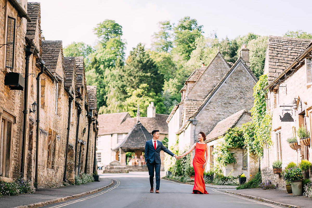 cotswolds pre wedding shoot in castle Coombe