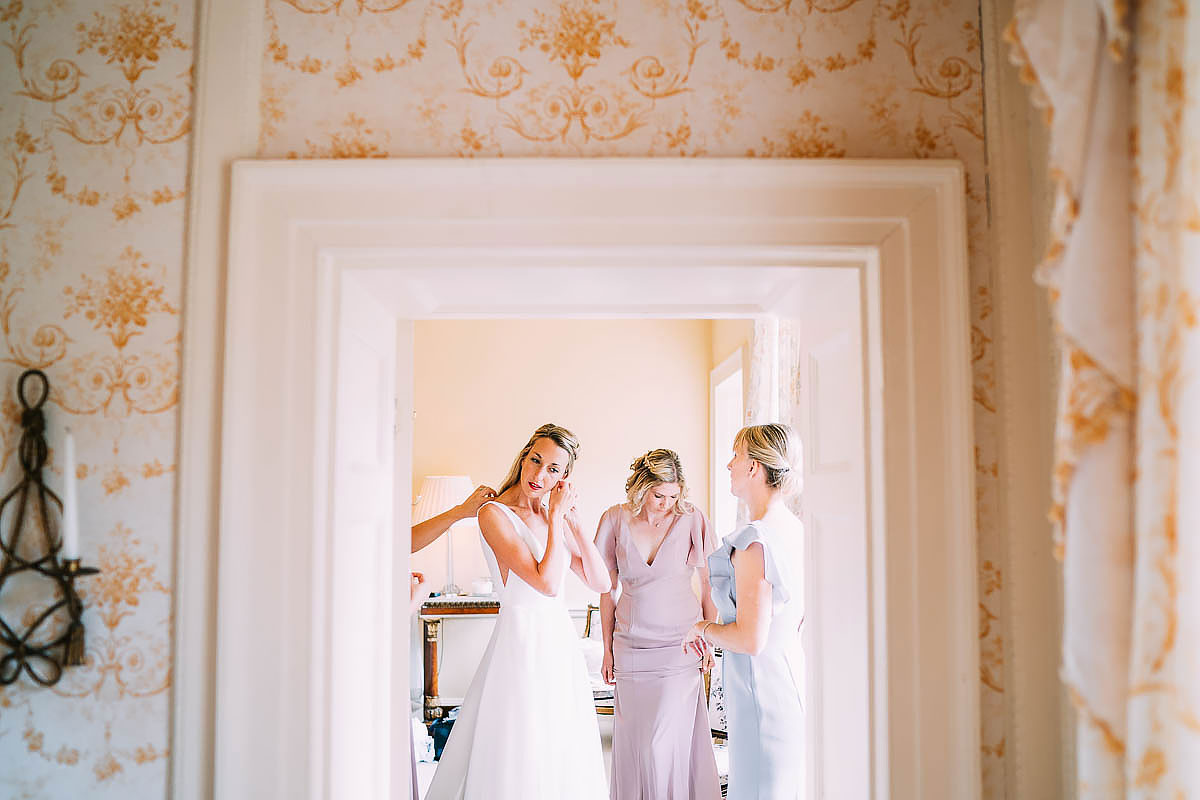 bride getting ready at came house