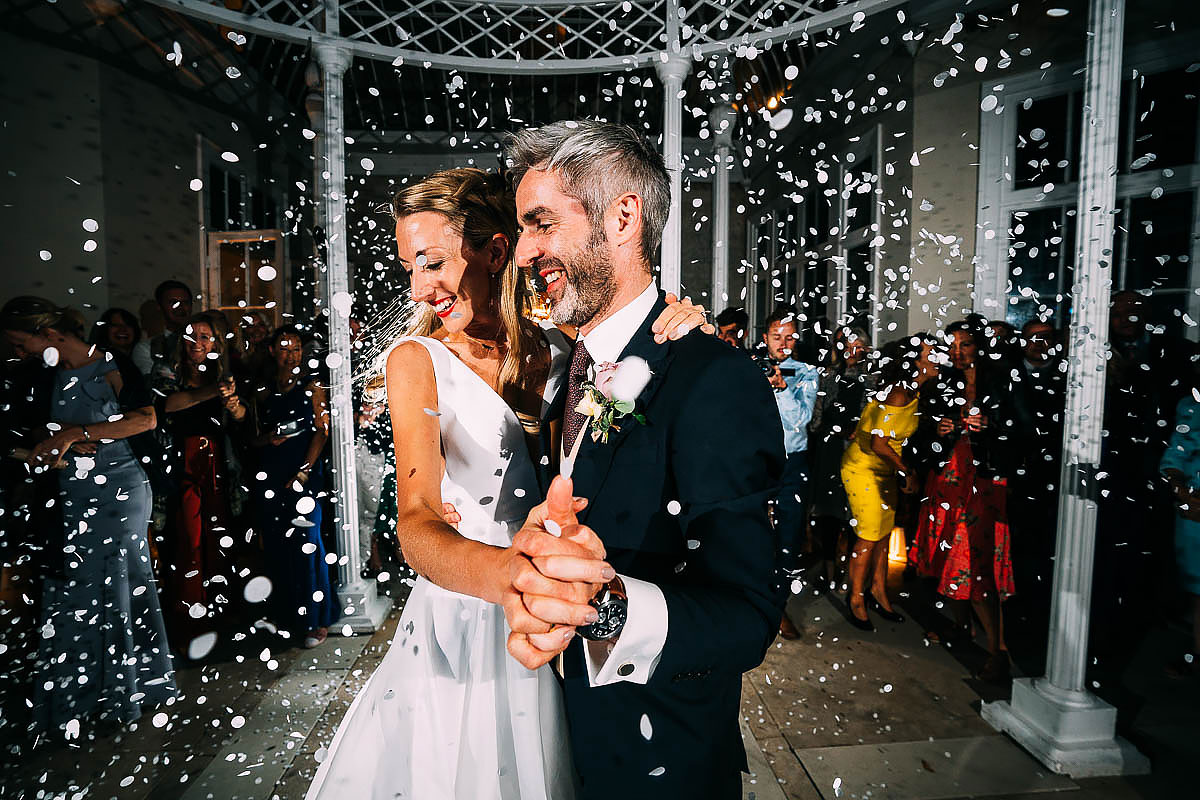confetti canons wedding first dance