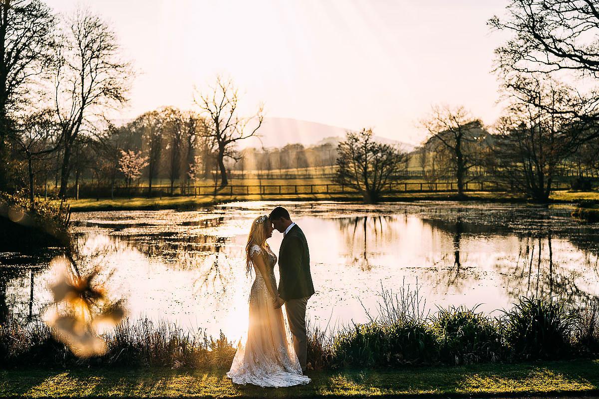 documentary wedding photos Knowle Manor