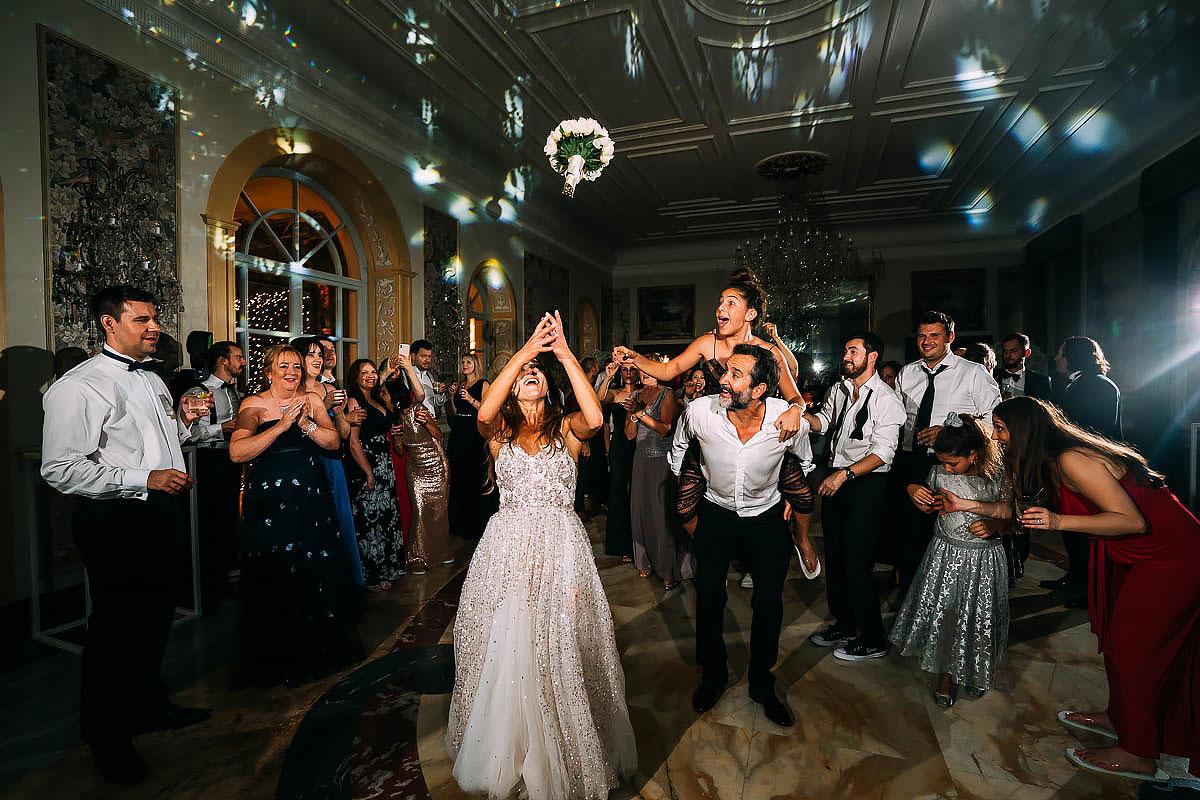 bouquet toss at Villa Miani Wedding