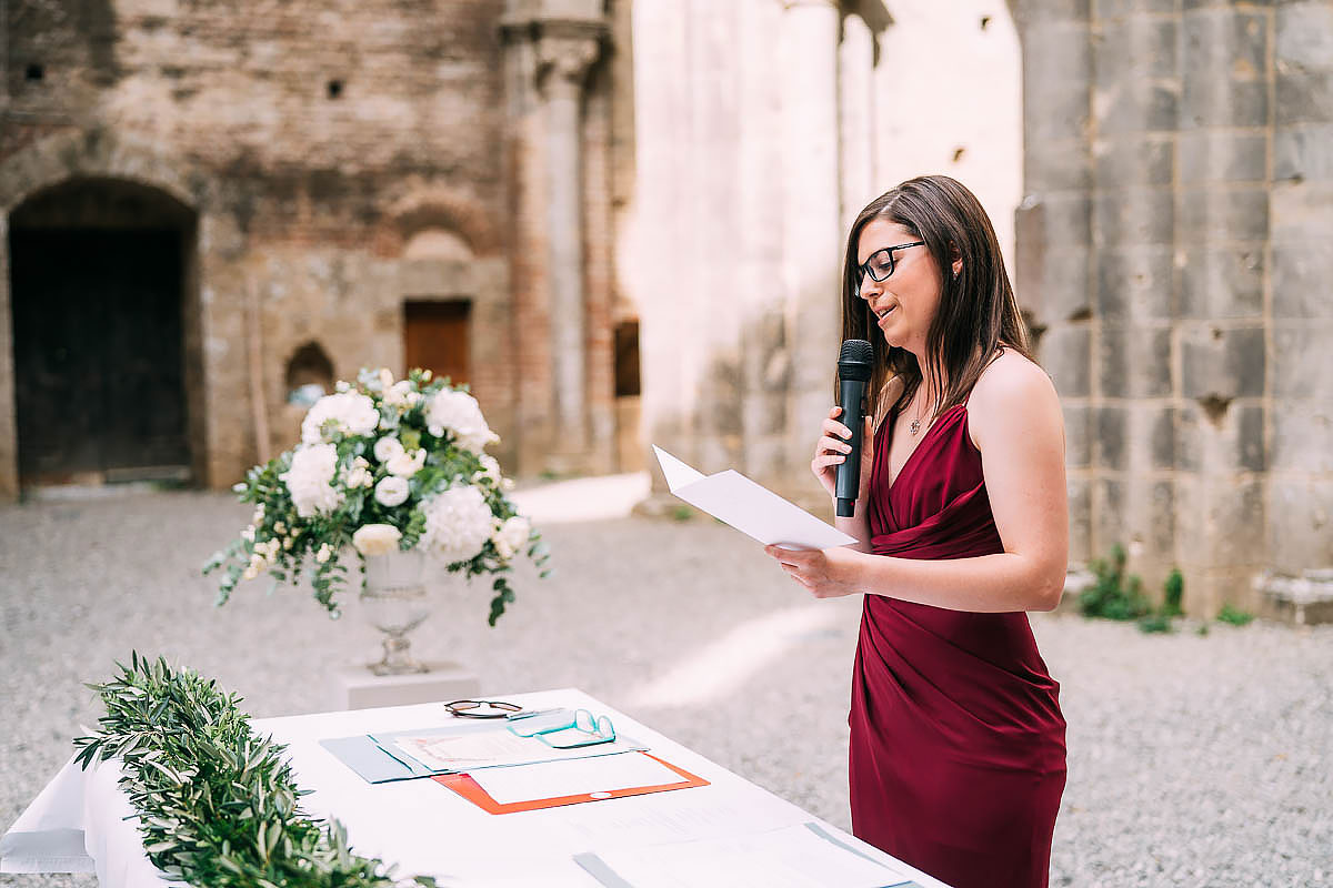 wedding reading inside San Galgano abbey