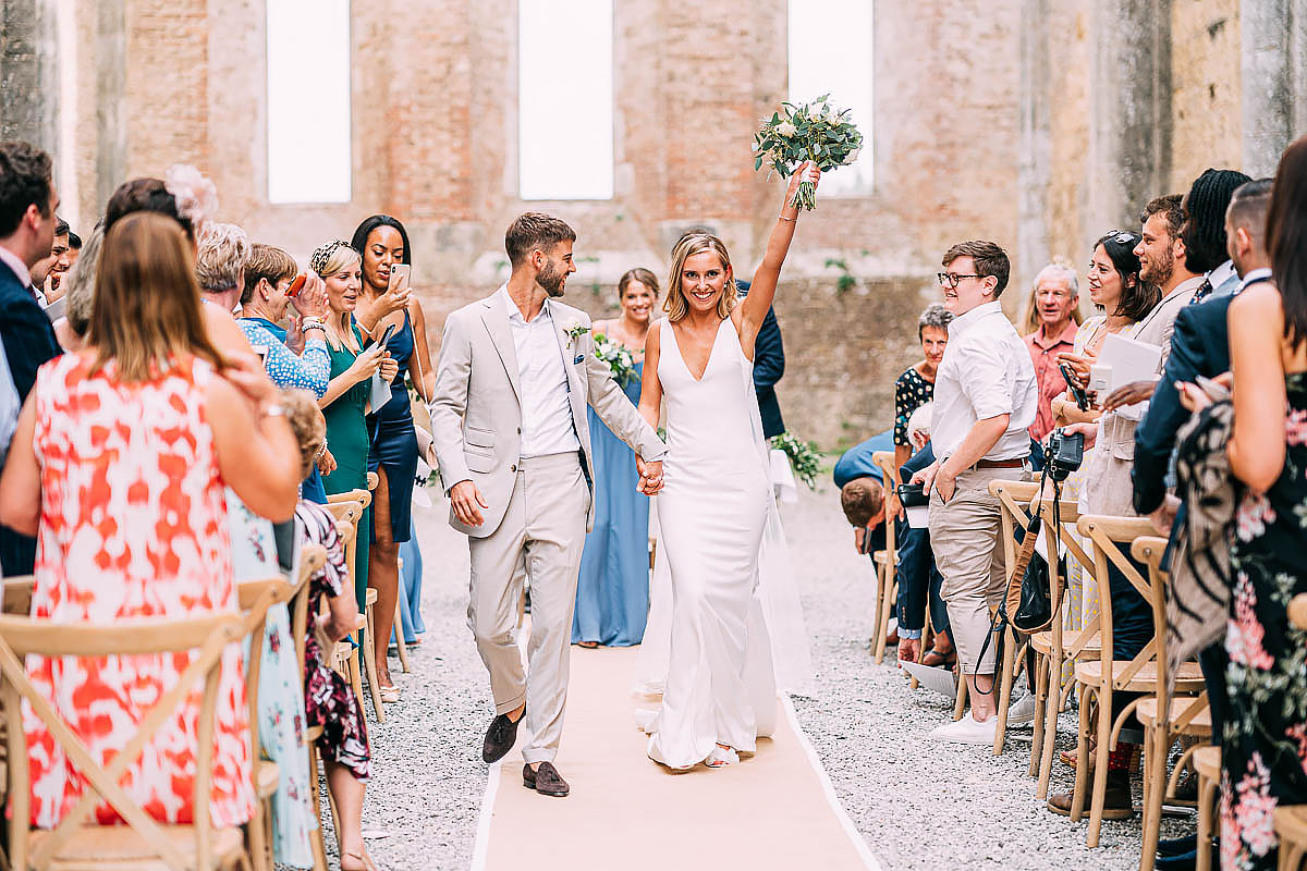 wedding ceremony in San Galgano abbey