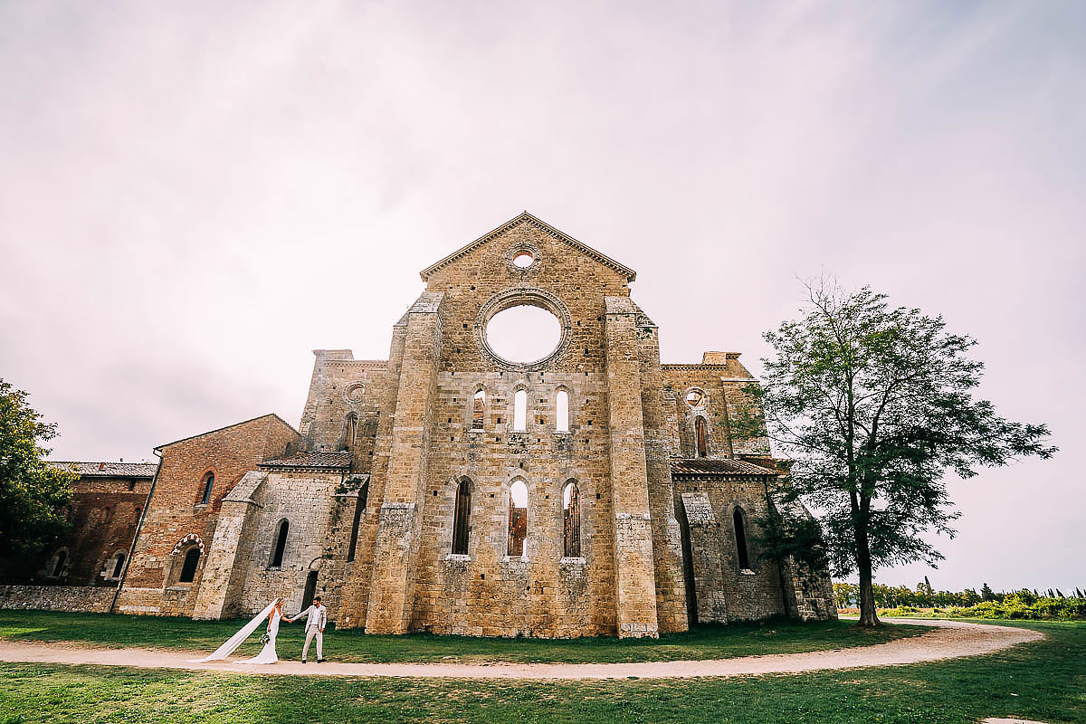 couple photos around San Galgano abbey