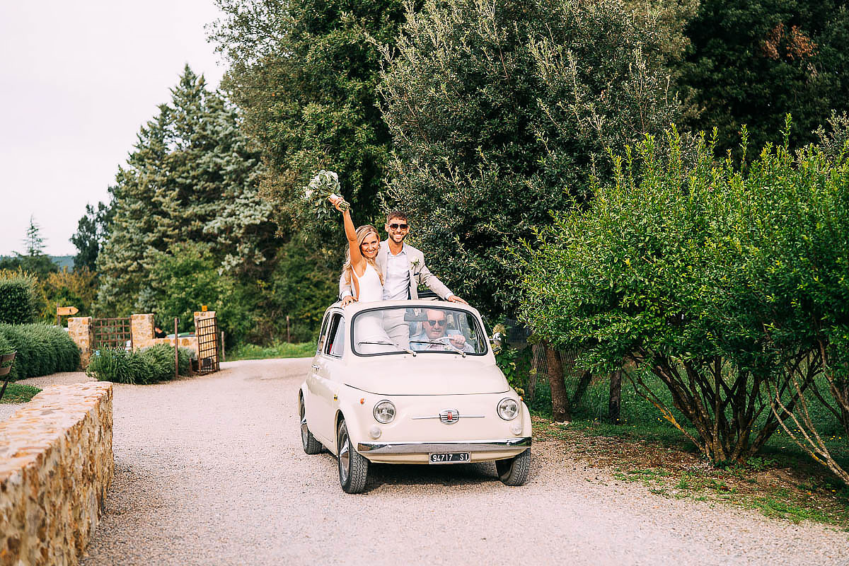 fiat 500 wedding car at Villa Podernovo wedding