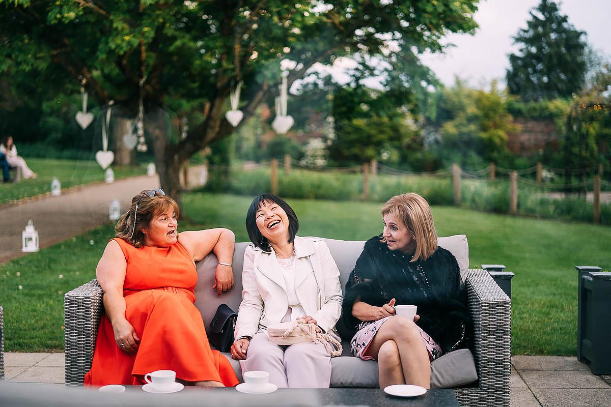 relaxed wedding photos Gaynes Park