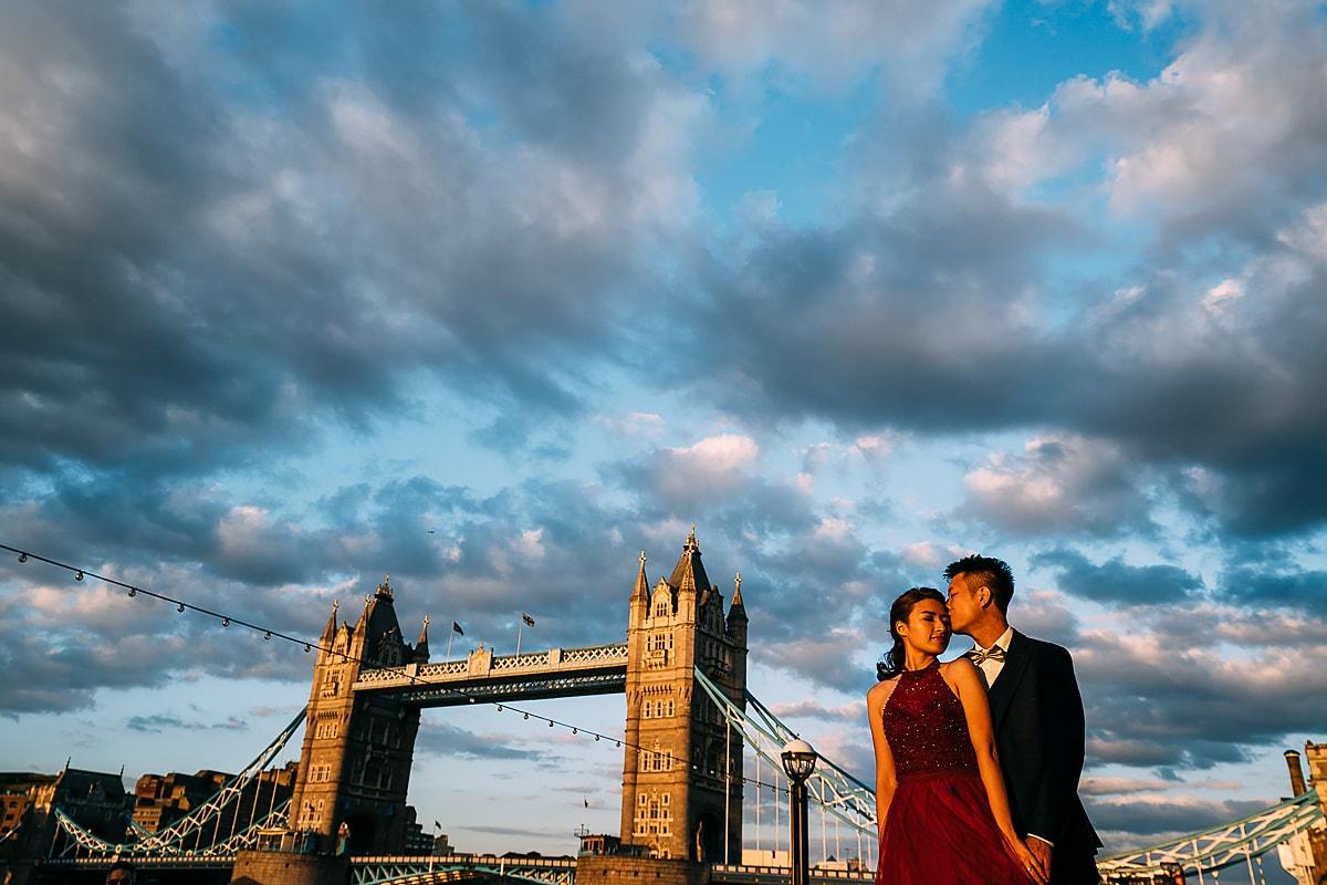 tower bridge London pre wedding shoot