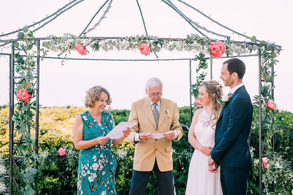 mum wedding reading